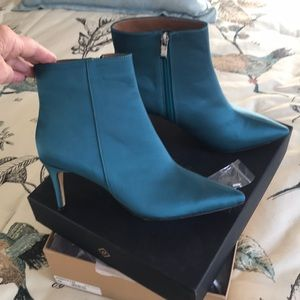 Halogen teal satin bootie New in box size 9